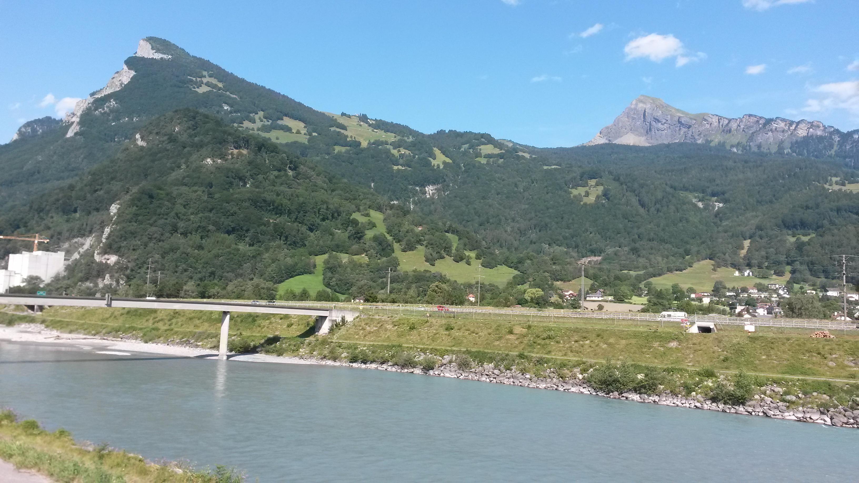 pont à la frontière